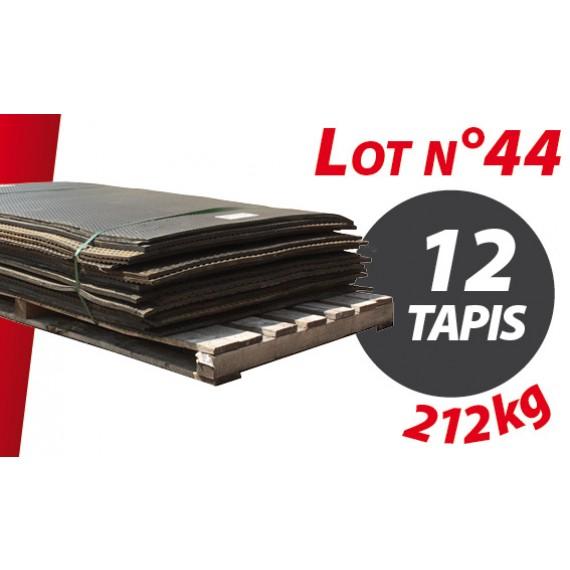 Palette N°44 (212kg) de 12 tapis caoutchouc d'occasion Qingdao type caillebotis 1.54m x 1.02m pour ensilage